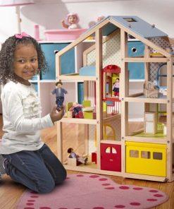 בית בובות ורהיטים גבוה מעץ מליסה ודאג