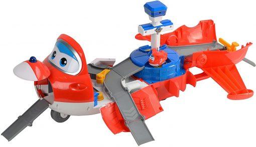 מטוסי על - מסלול ההמראה של ג'ט