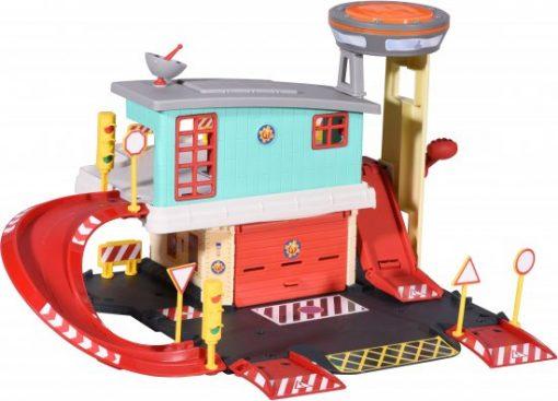 תחנת כיבוי אש עם כבאית יופיטר ומנחת מסוקים - סמי הכבאי