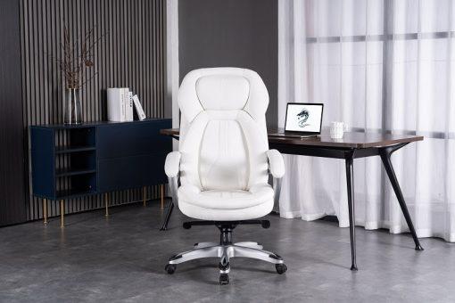 כיסא אמבסדור מנהלים לבן עם רקע שולחן